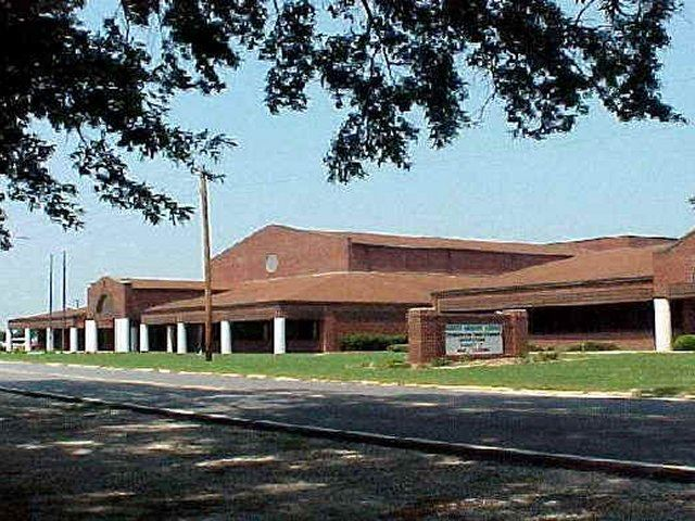 A street view of North Lenoir High School.